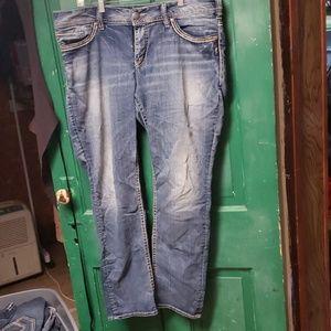Straight cut vintage look light denim jeans